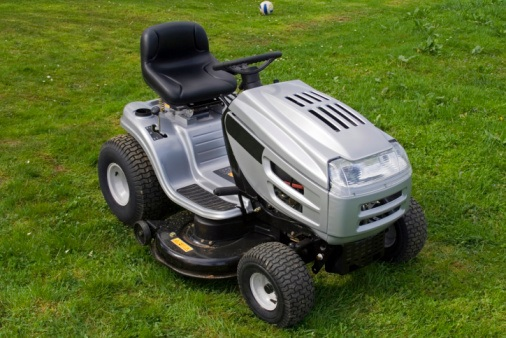 Lawn Tractor Safety : Batteriesinaflash riding lawn mower safety tips and